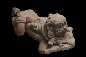 Krijger van kalksteen uit 250-600 na Christus